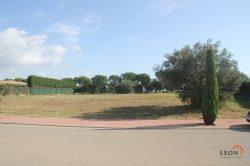 For the golf enthusiast, large plot with planning permission at prime location