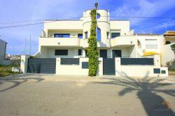 Fabulous villa with 4 bedrooms, swimming pool, roof terrace and private mooring