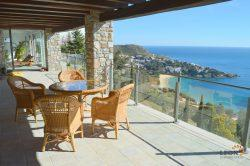 Magnificent villa with 5 bedrooms, indoor swimming pool, guest apartment and stunning sea views