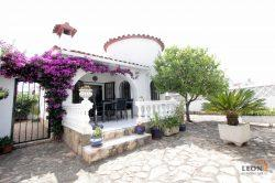Lovely holiday home for 4 people, 2 bedrooms, near centre of Empuriabrava