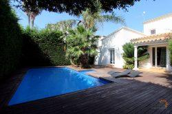 Beautiful totally renovated villa with pool, 4 bedrooms and 20 m mooring
