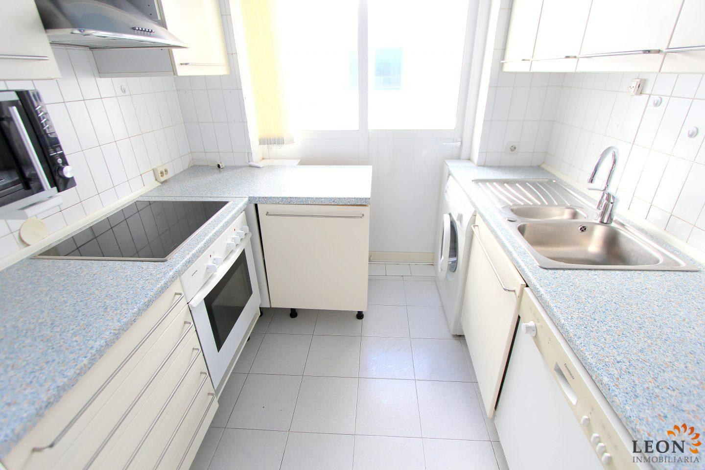Lovely holiday apartment with terrace, for 5 people, with community ...