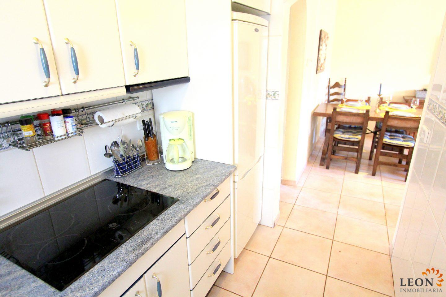 Lovely apartment for 4 people with swimming pool (1/4, Alice)