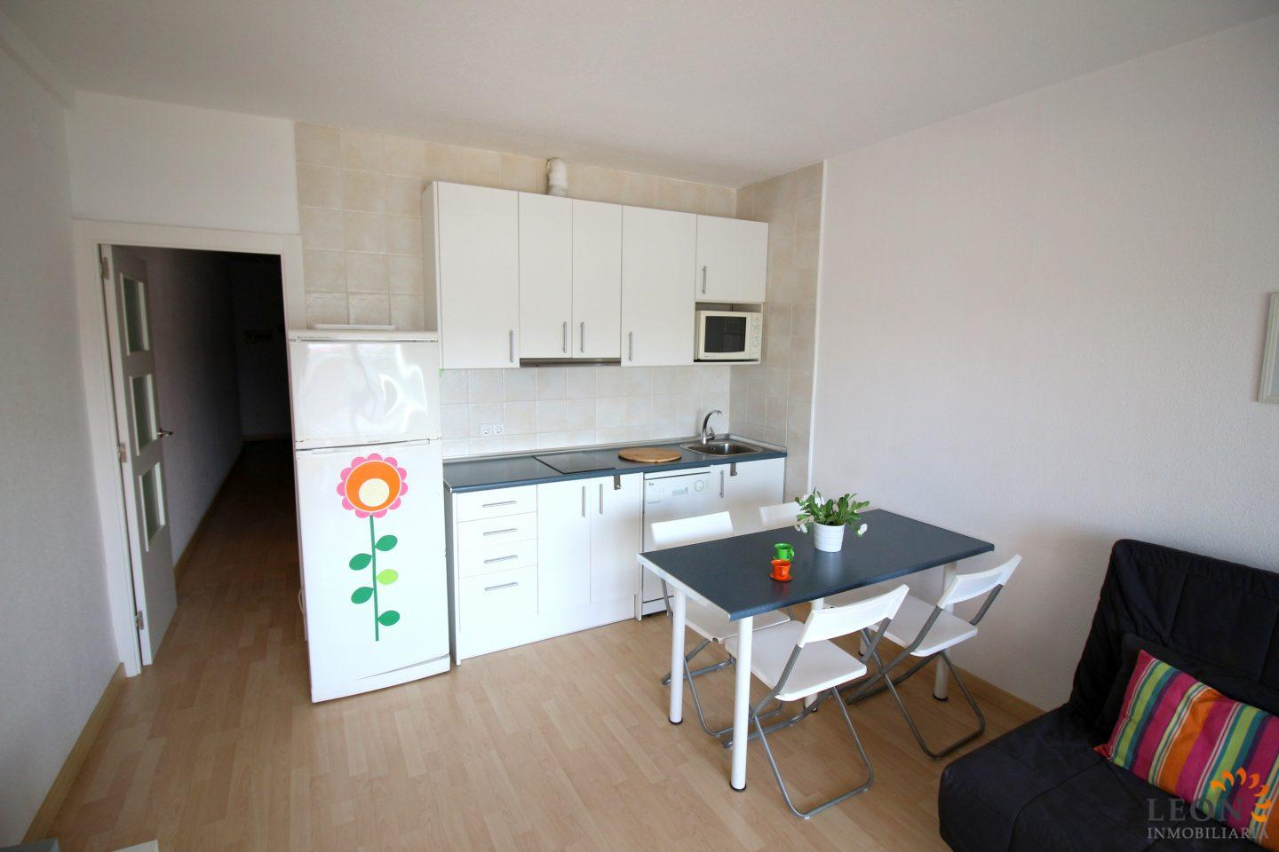 Modern apartment with a nice terrace and magnificent views, parking ...