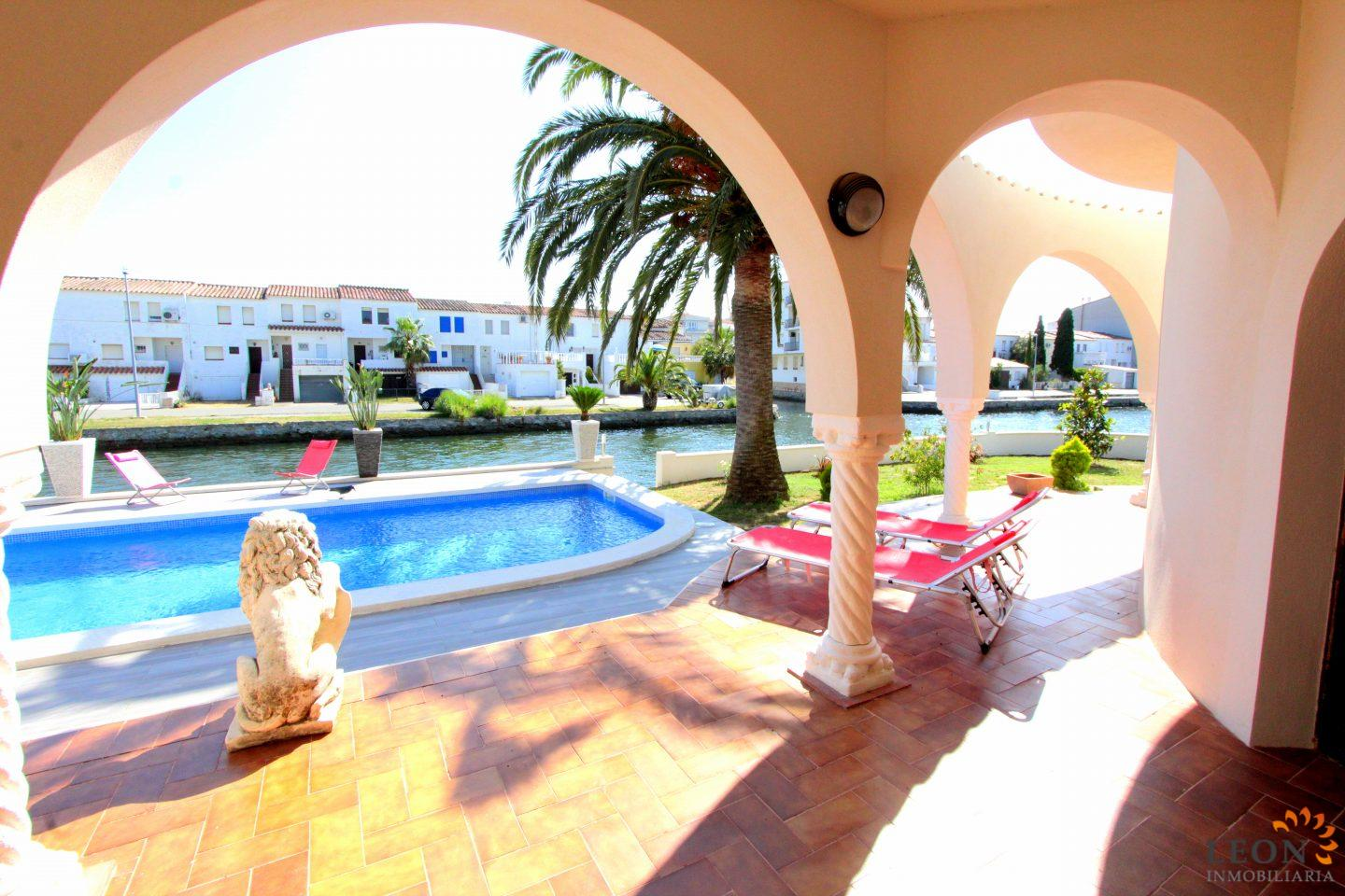 For Rent In Empuriabrava, Beautiful Hacienda Style Villa For 6 People With  Pool,